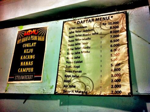 Daftar menu di Kedai Pak Sentot.
